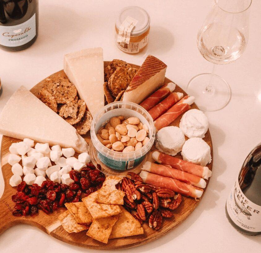 Cheeseboard, cheese and wine pairing