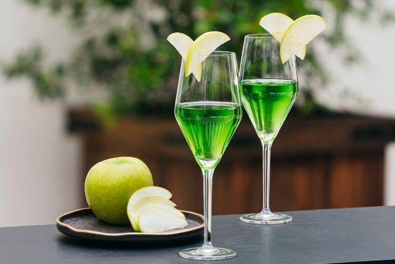 Apple neon Port cocktail