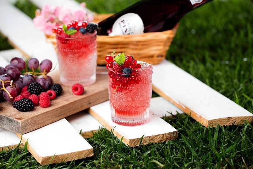 Croft Pink cocktail - Pink Bramble