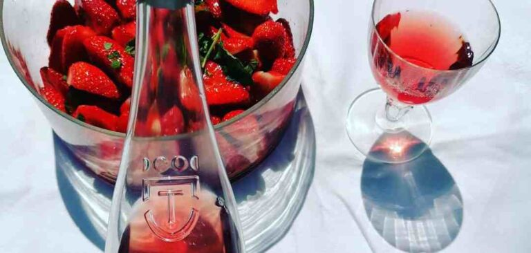 Chateau d Aquaria Tavel in the summer with Strawberries