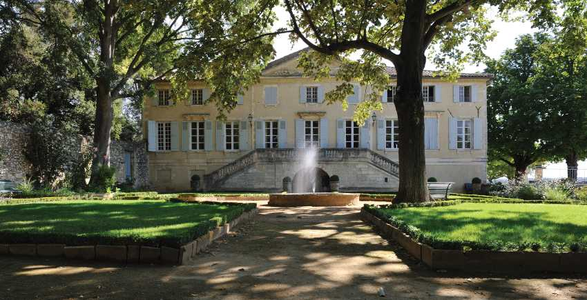 Château d'Aqueria makes Tavel wines, perfect for fall