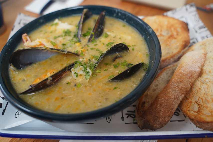 Seafood or Rhode Island chowder
