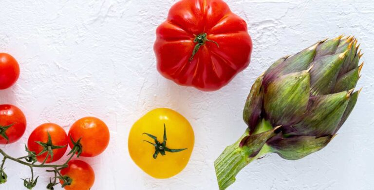 Tomatoes and artichokes